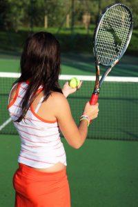 テニス 女性 サーブ