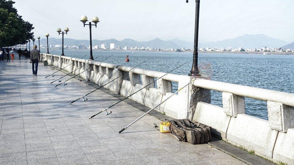 釣り 橋の上